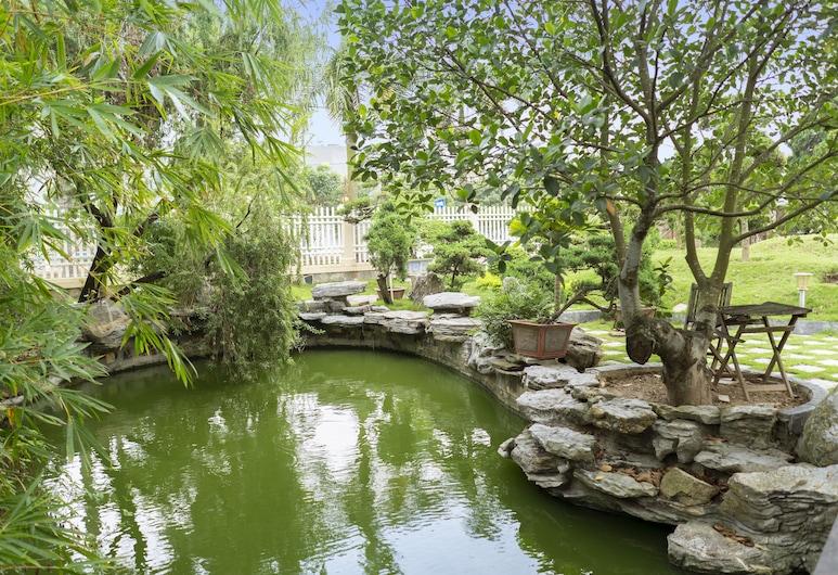 Phuong Anh Hotel, Hai Duong, Garden