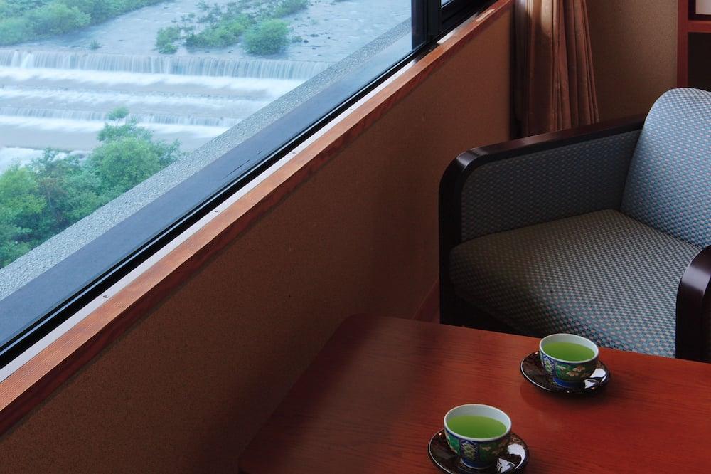 ห้องซูพีเรีย (Japanese Style) - พื้นที่นั่งเล่น