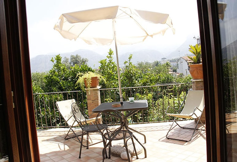 Villa Flavia, Sant'Agnello, Estudio, balcón (POMPELMI), Terraza o patio