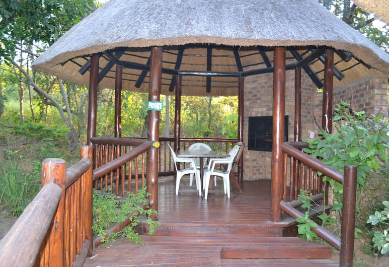 Kruger Park Lodge - Golf Safari SA, Hazyview, Family Chalet, 3 Bedrooms, Non Smoking, Outdoor Dining