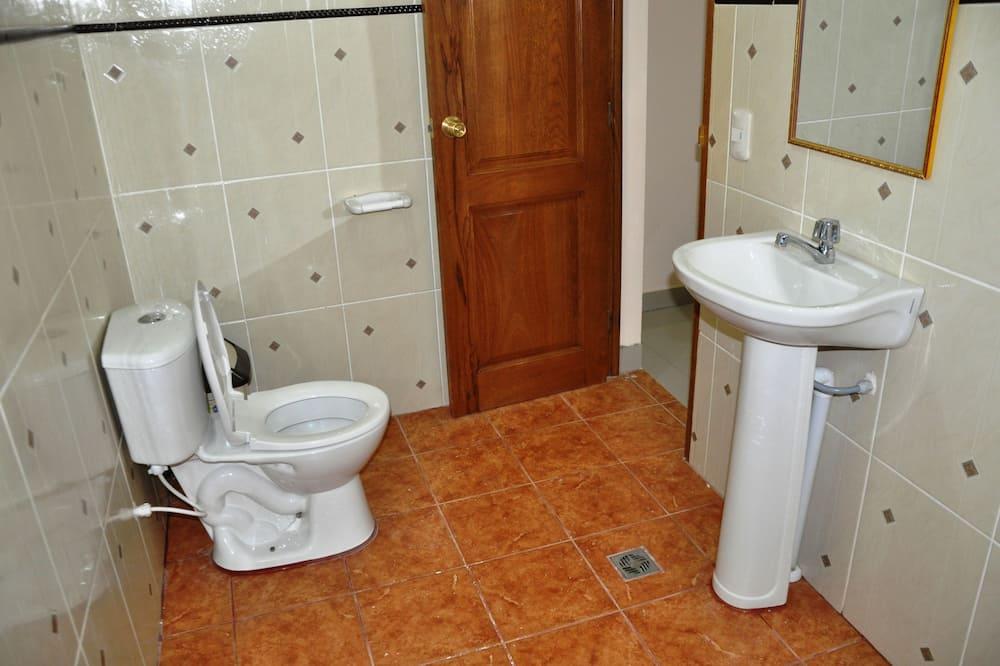 Тримісний номер, приватна ванна - Ванна кімната