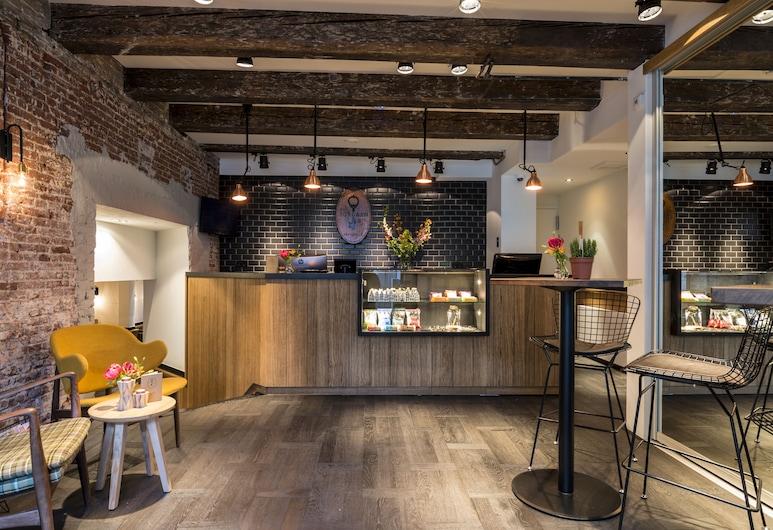 約登先生酒店, 阿姆斯特丹, 櫃台