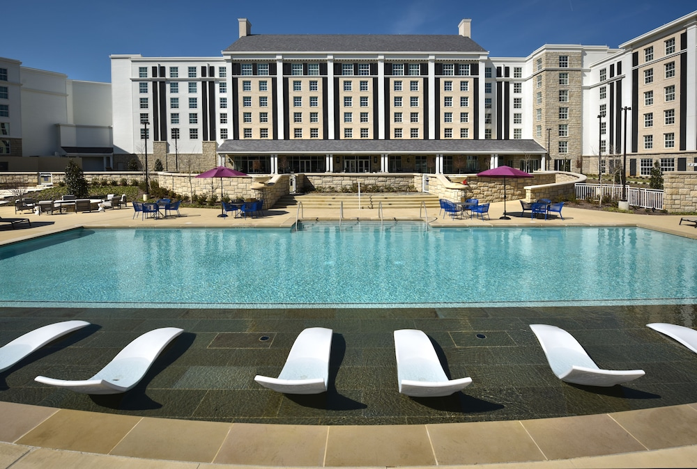 Book the guest house at graceland in memphis for Memphis tn hotels near graceland