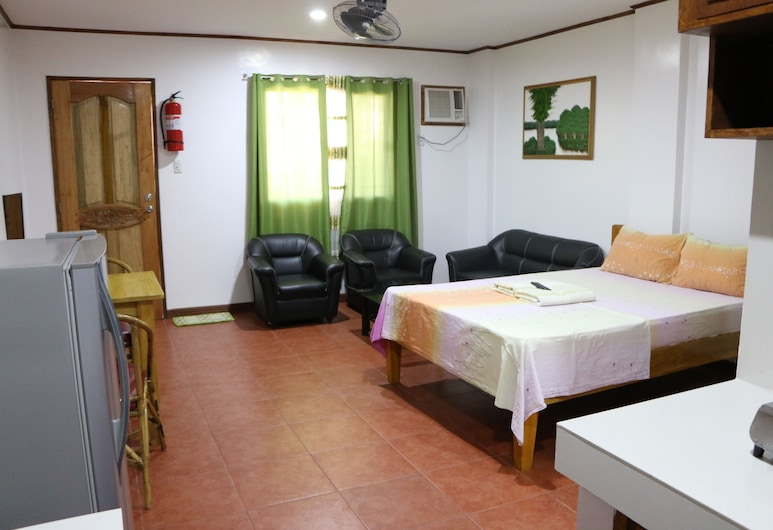 Badladz Apartments, Puerto Galera, Studio, Kitchen, Room