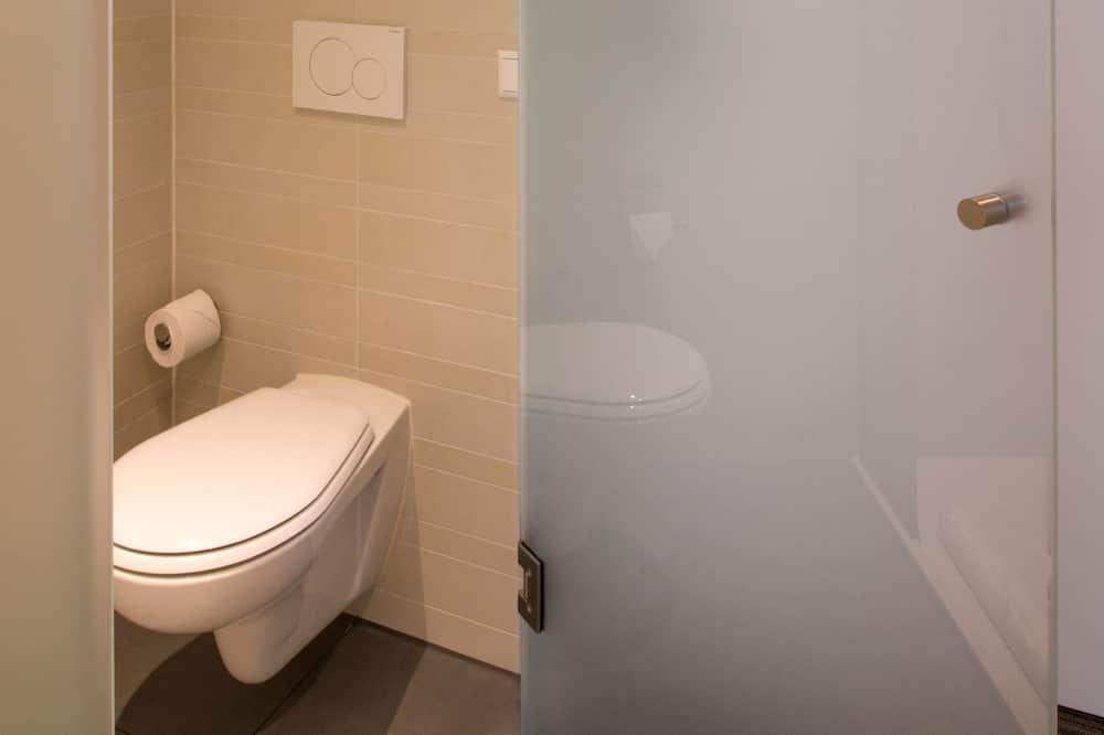 Economy Double Room (Including free parking) - Bathroom