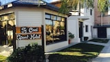 Choose This Cheap Hotel in Puerto Madryn
