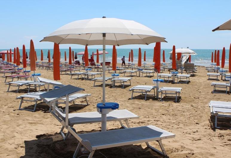 Hotel Villa Eugenia, Jesolo, Beach