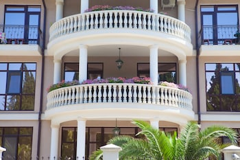 Picture of Dubai Hotel in Adler
