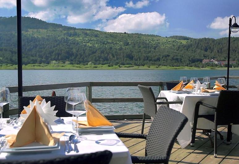 阿邦特科斯克飯店, 穆杜爾努, 室外用餐