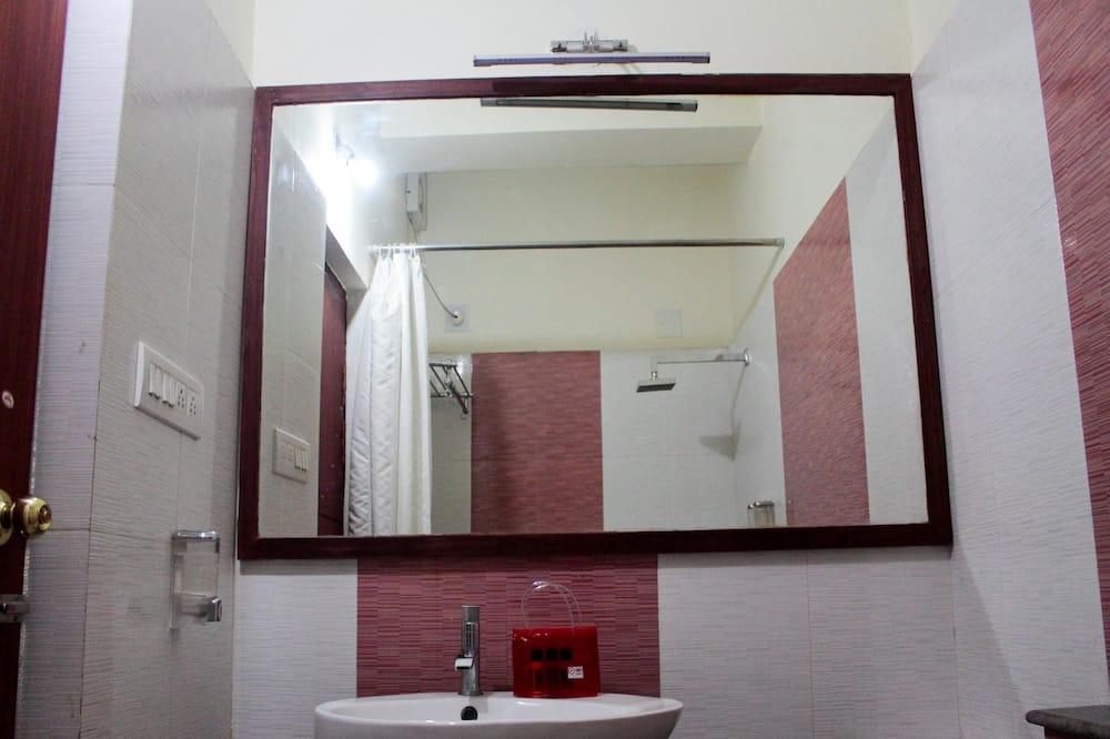 Standard - kahden hengen huone, 1 makuuhuone, Oma kylpyhuone - Kylpyhuone