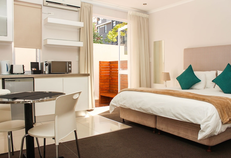 Oxford House, Cape Town, Deluxe Room, Private kitchenette