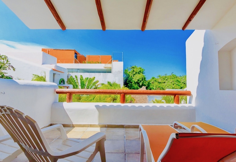 加勒比甜蜜生活民宿, 卡曼海灘, 奢華套房, 1 張特大雙人床, 按摩浴缸, 泳池景觀, 陽台