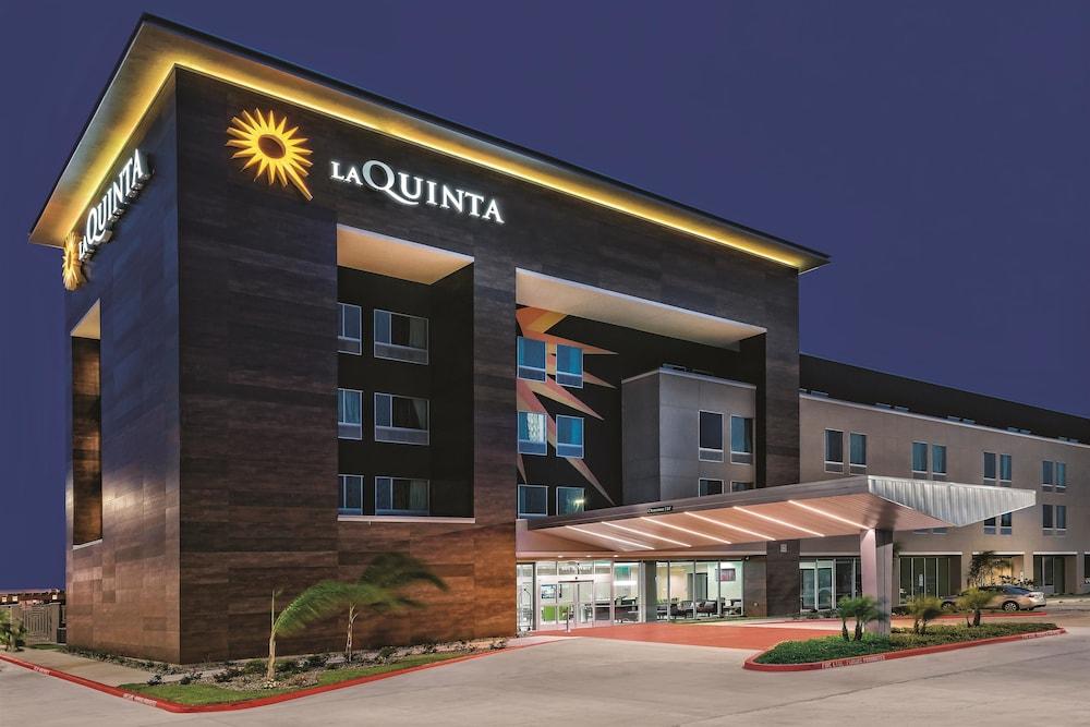 Book La Quinta Inn Amp Suites Mcallen Convention Center Mcallen Texas Hotels Com