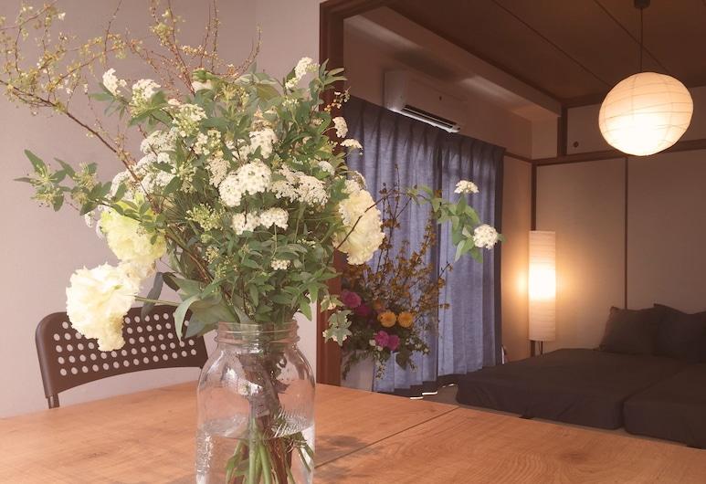 Daikoku House, 大阪市, スタンダード ルーム 禁煙 (2 Single Beds and 3 Japanese Futon), 部屋