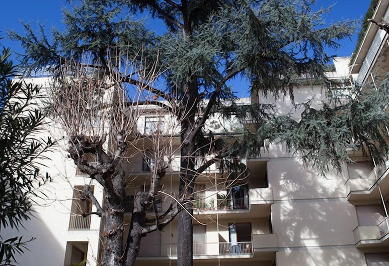 Verdi Apartments, Florence, Front of property