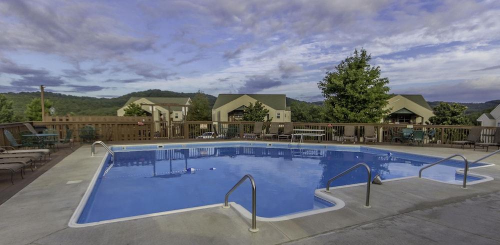 Branson Condo Resorts Silver Dollar City Outdoor Pool