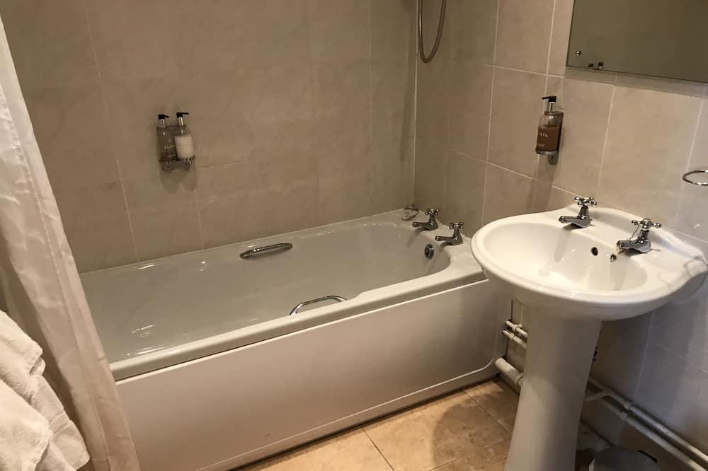Divvietīgs numurs, vannasistaba numurā - Vannasistaba