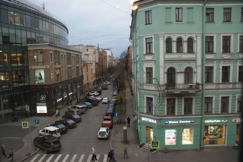 Economy fyrbäddsrum - delat badrum - Utsikt mot gatan