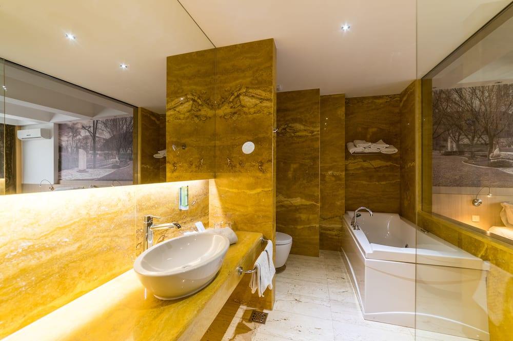 Prezidentinės klasės numeris, sūkurinė vonia, vaizdas į miestą - Vonios kambarys