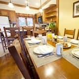 Townhome, 2 Bedrooms - Tempat Makan dalam Bilik