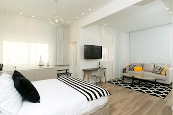 Mynd af K Suites TLV By The Beach í Tel Aviv
