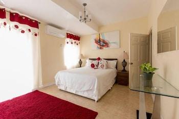 תמונה של New Kingston Apartments at Kensington בקינגסטון