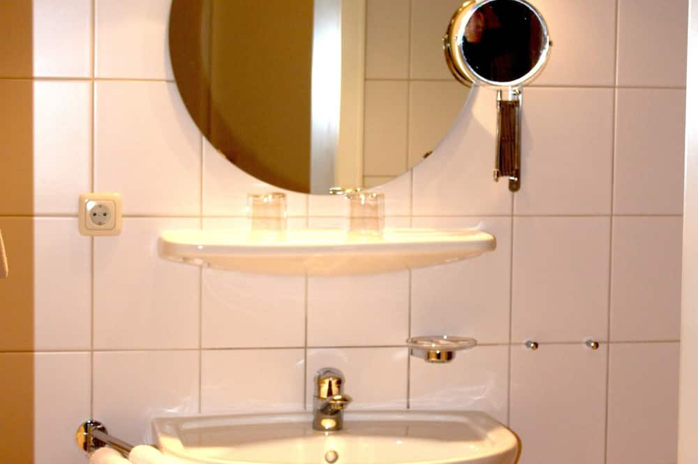 Phòng đôi (Landhaus large) - Phòng tắm
