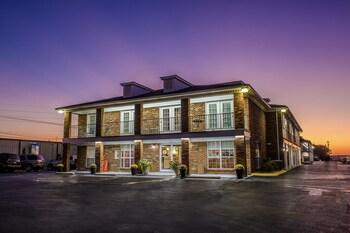 Hotels In Lawrenceburg