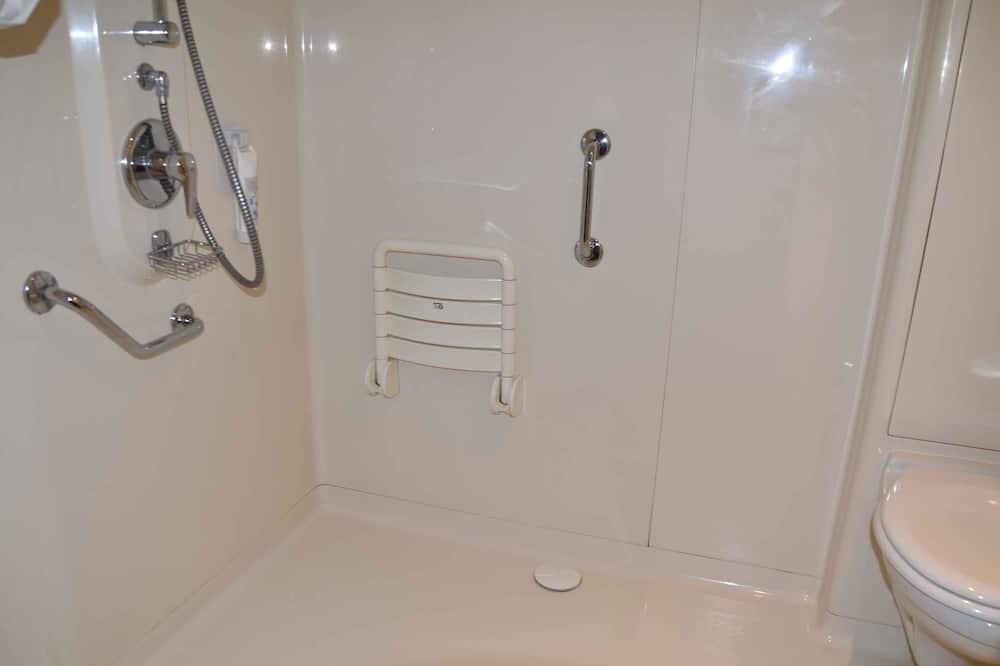 三人房, 多張床 - 浴室淋浴