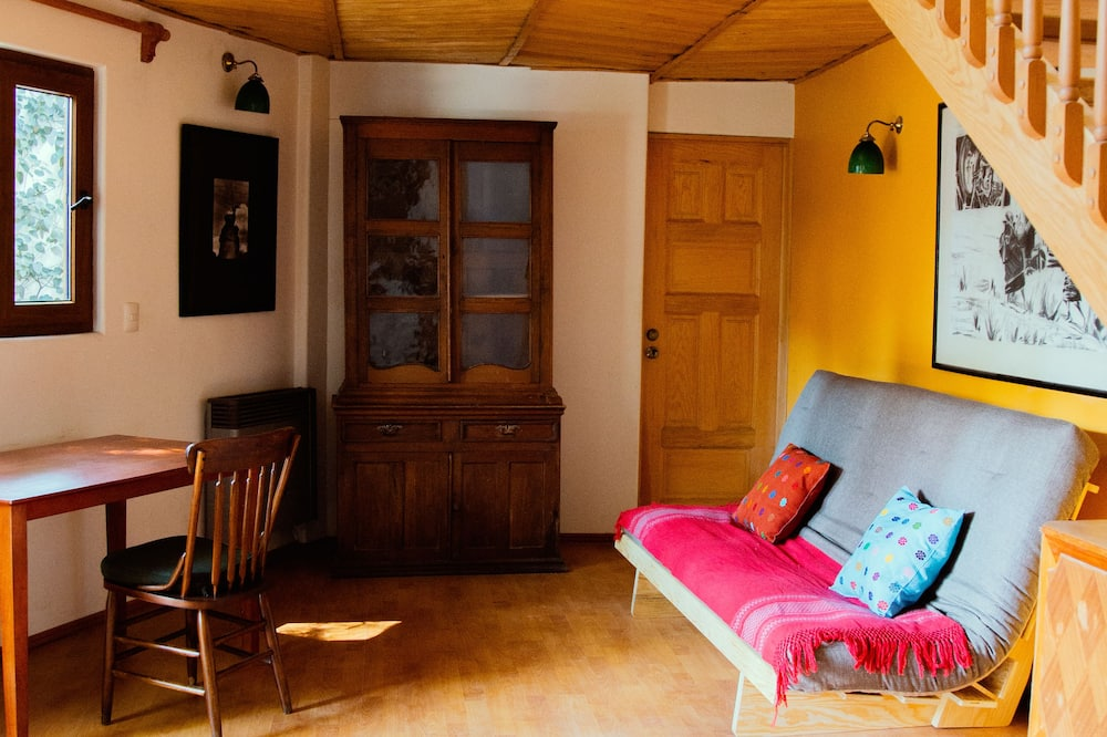 Design Cabin, 1 Queen Bed - Living Room