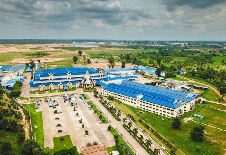 Savan Resorts, Savannakhet, Garden
