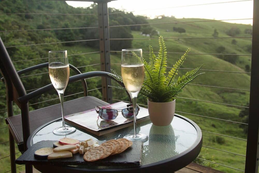 Luxury Cabin, 1 Queen Bed - Balcony