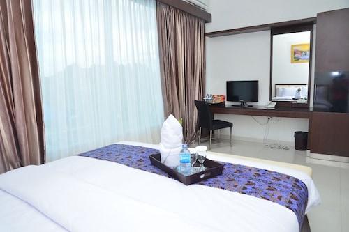 索龍城景飯店/