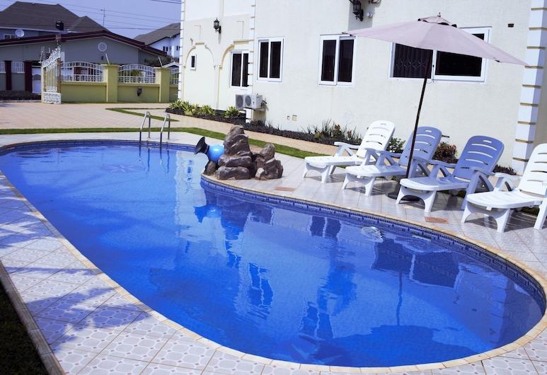 Kingsbridge Royale Hotel, Accra, Outdoor Pool