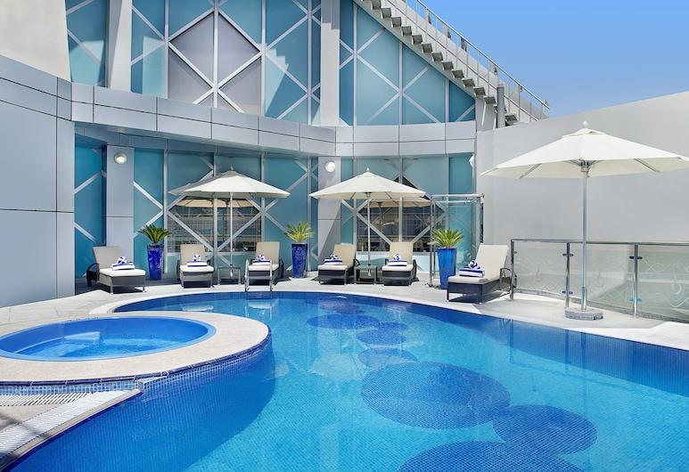 City Seasons Towers, Dubai, Outdoor Pool