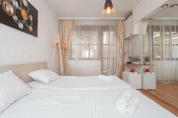 Фото Urban Hostel & Apartments у місті Скопьє