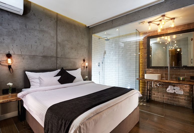 One Luxury Suites, Belgrade