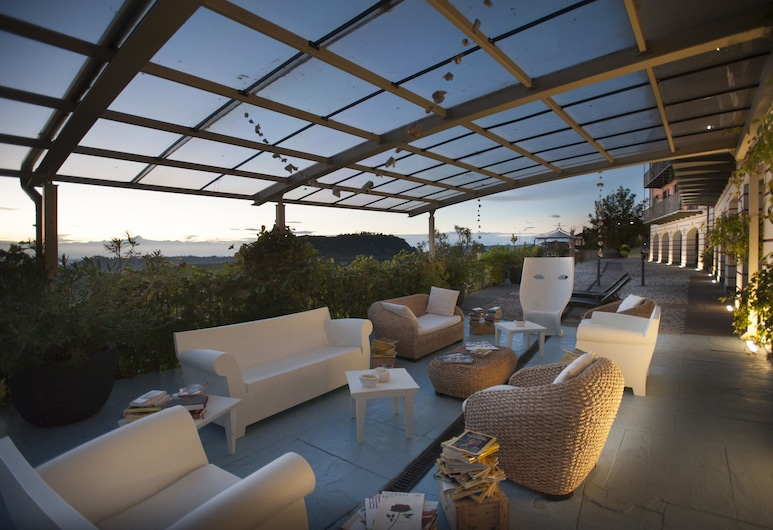 Felicin - Villa Stella, Monforte d'Alba, Teres/Laman Dalam