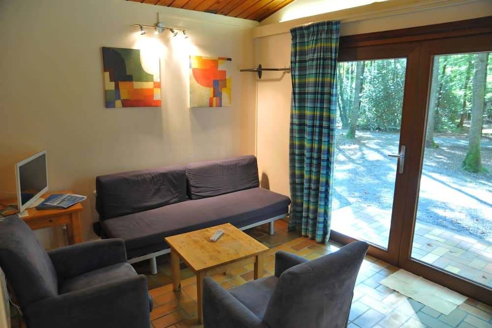 Economy Chalet, 2 Bedrooms - Living Area