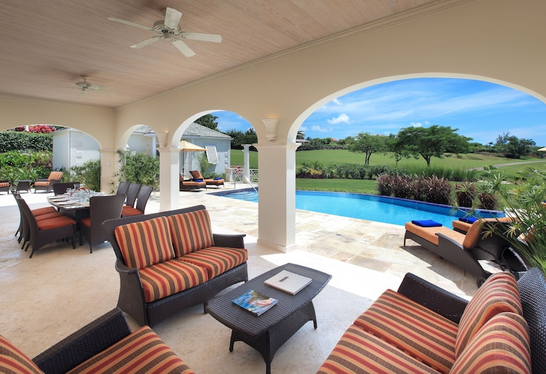 Royal Westmoreland Mahogany Drive by Island Villas, Westmoreland, Villa de lujo, 6 habitaciones, vista al resort, junto a la piscina, Sala de estar