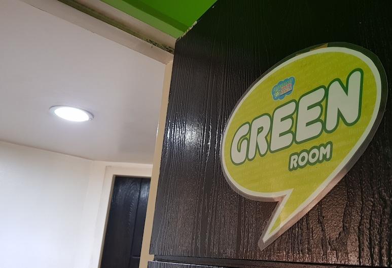 Crossroads Hostel Manila, מאנדאלויונג, חדר מעונות משותף אקונומי, נשים בלבד, חדר אורחים