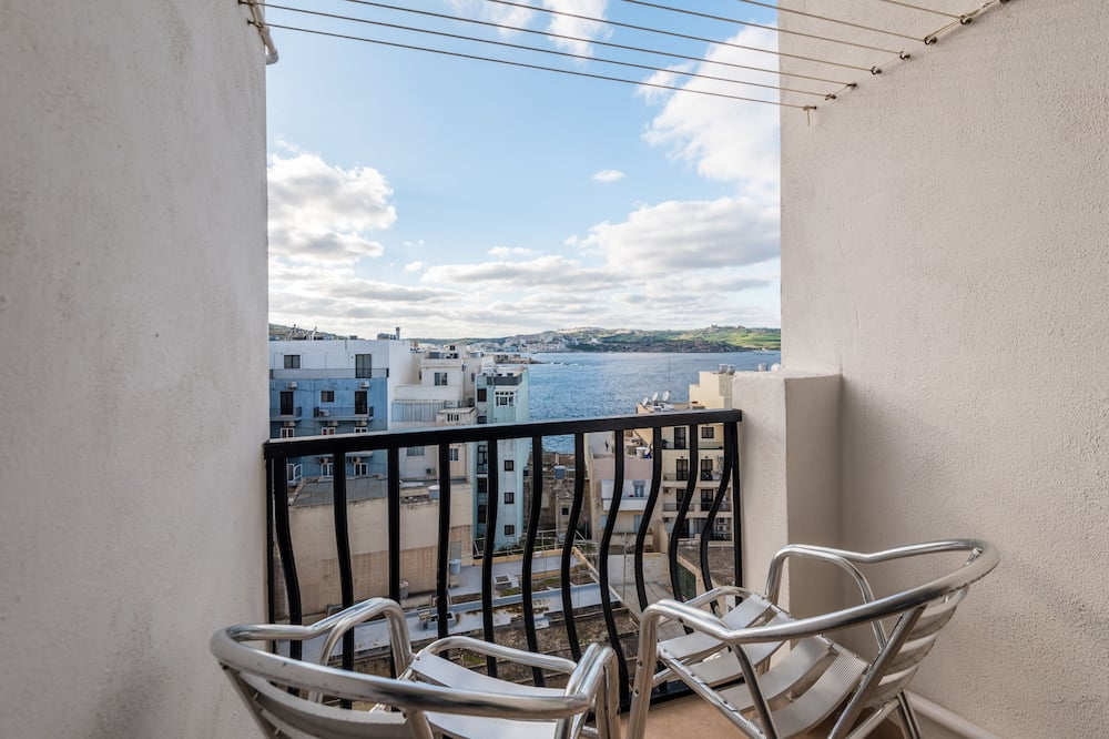 Panoramic Penthouse, 2 Bedrooms, Ocean View - Balcony