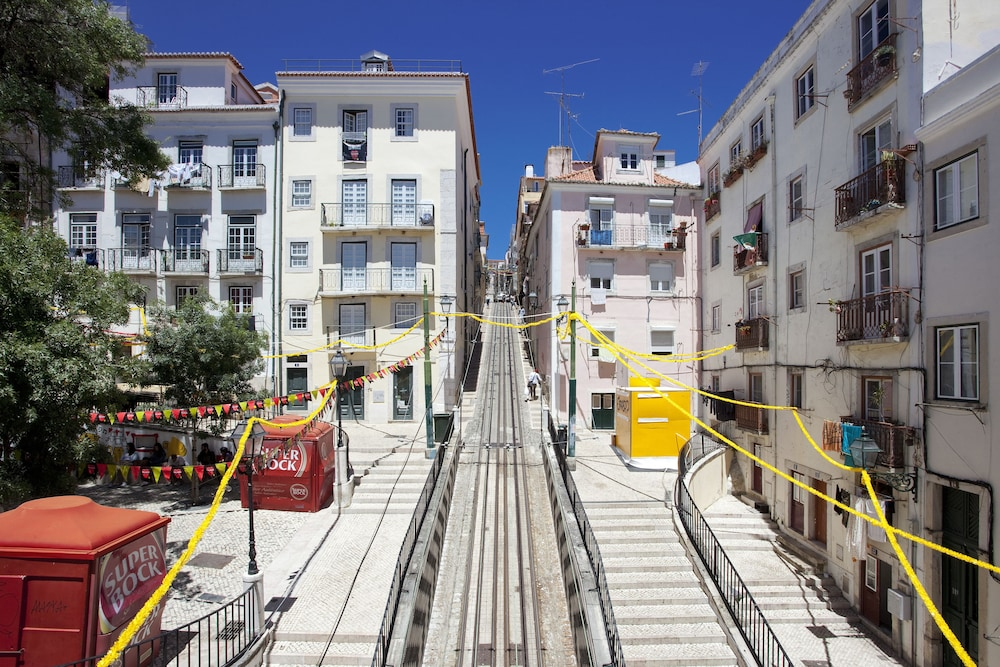 Ascensor Da Bica Lisbon Serviced Apartments