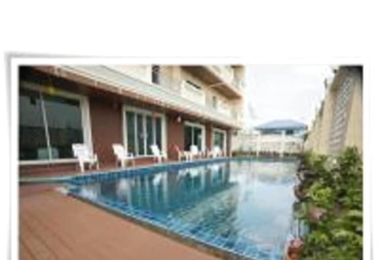 Convenient Grand Hotel Suvarnabhumi, Bang Sao Thong, View from Hotel