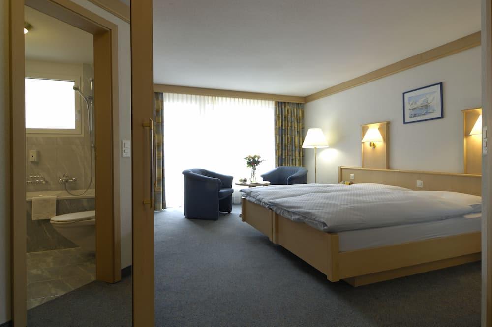 Двухместный номер «Комфорт» с 1 двуспальной кроватью, 1 спальня, вид на горы (Sunshine) - Зона гостиной