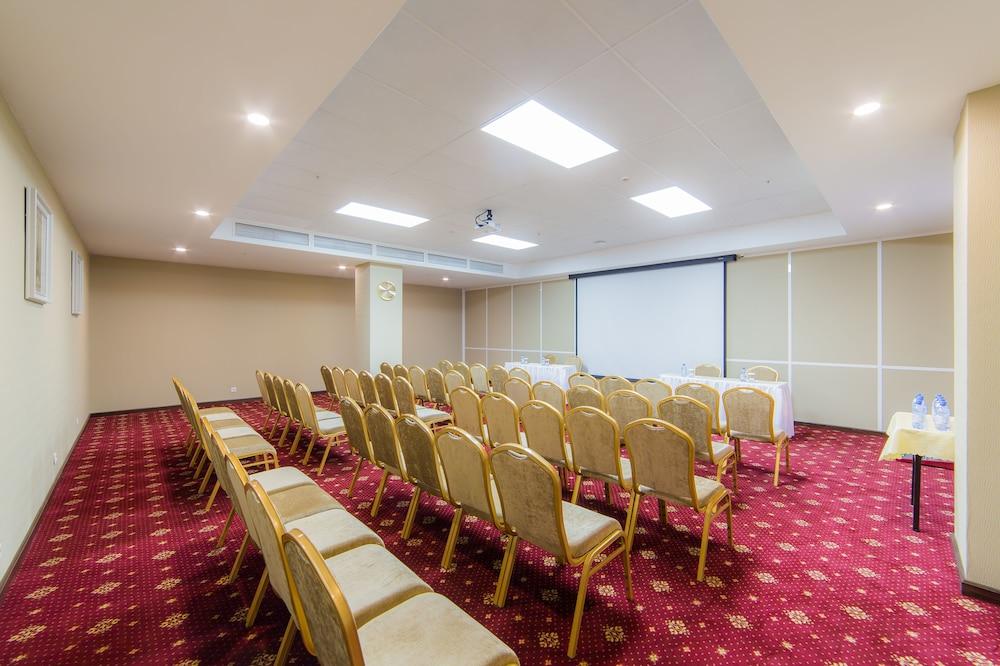 Shera Park Inn Hotel Almaty Meeting Facility