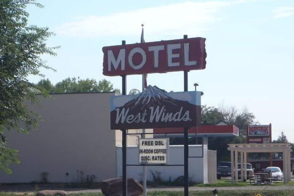 West Winds Motel