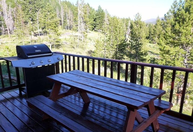 Whispering Pines Guest Cabin, Anaconda, Terrace/Patio