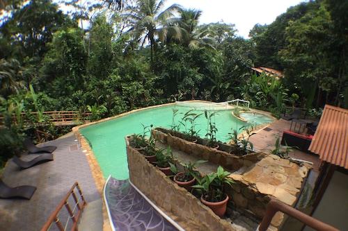 拉納羅賈旅館/