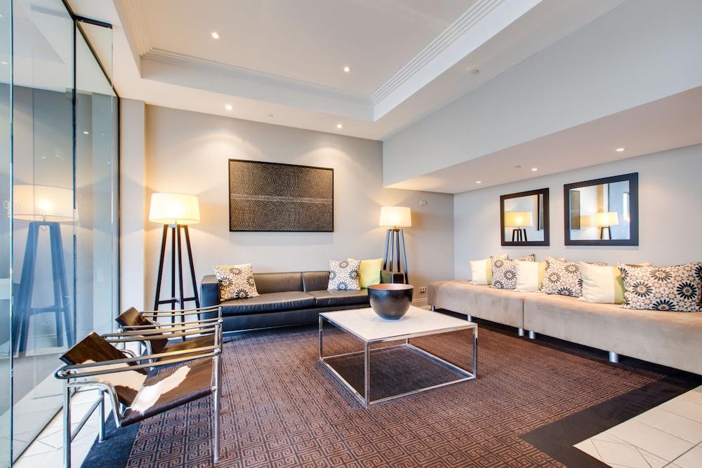 Oakwood Hotel U0026 Apartments Brisbane, Fortitude Valley, Lobby Sitting Area